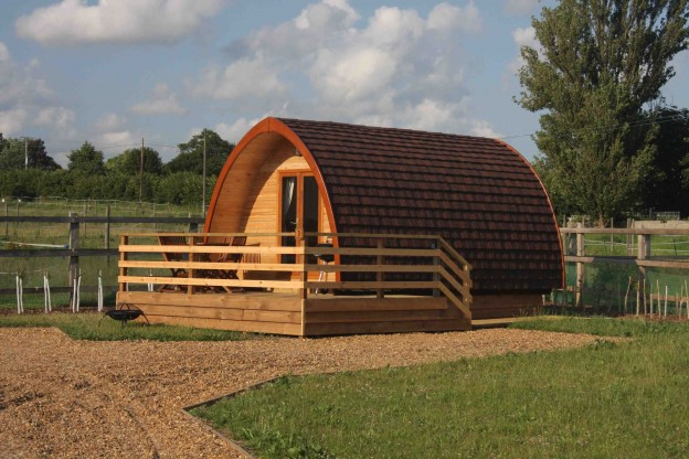 LEE WICK COTTAGES AND MEGAPOD Glamping in Essex