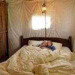 featherdown-glamping-bedroom