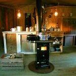 featherdown-glamping-kitchen