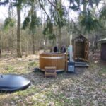 fetherdown-glamping-hot-tub-and-shower