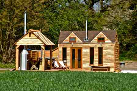 glamping-warwickshire-tiny-wooden-house-two