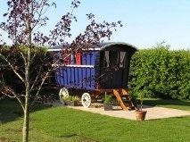 glamping-norfolk-sisland-tithe-barn-gypsy-caravan