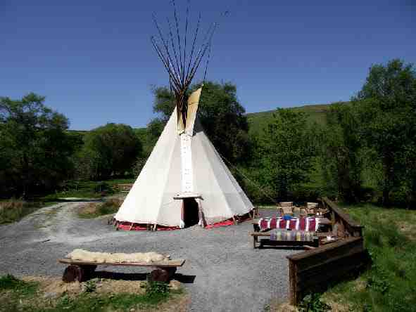 glamping-wales-cledan-valley-tipis-the-tepee