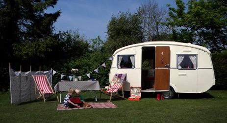 glamping-kent-the-glampervan-hire-company-vintage-caravan-beryl