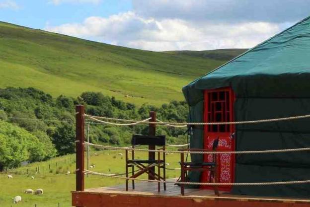 glamping-scotland-scottish-borders-ettrick-valley-yurts-1