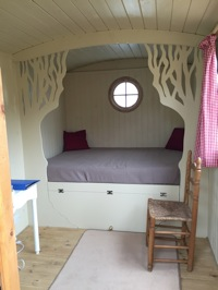 glamping-the-cotswolds-shepherds-hut-interior