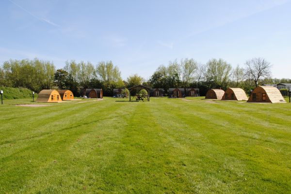 glamping-the-cotswolds-stratford-caravans