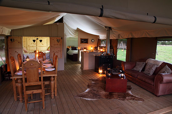 glamping-norfolk-wild-luxury-thornham-bay-living-area