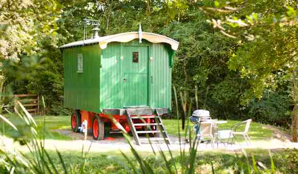 glamping-worcestershire-malvern-luxury-shepherds-hut-1