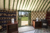 glamping-hampshire-cedar-valley-yurt-c
