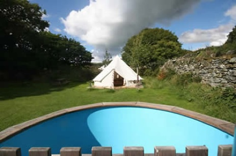 glamping-wales-with-hot-tub-hideaway-in-the-hill-bell-tents
