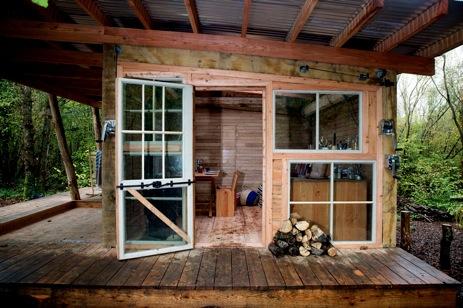 glamping-sussex-dernwood-farm-wooden-cabin-deck