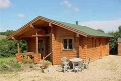 glamping-dorset-devon-border-higher-manor-log-cabin