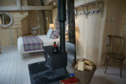 glamping-scotland-craighead-howf-treehouse-interior-s