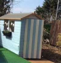 glamping-suffolk-with-hot-tub-blackberry-way-beach-hut-exterior