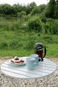 glamping-cornwall-hut-retreat-cream-tea-s