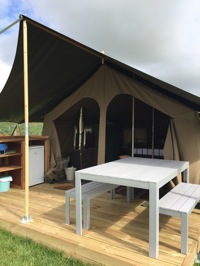 glamping-hampshire-watercress-safari-tent-deck-p