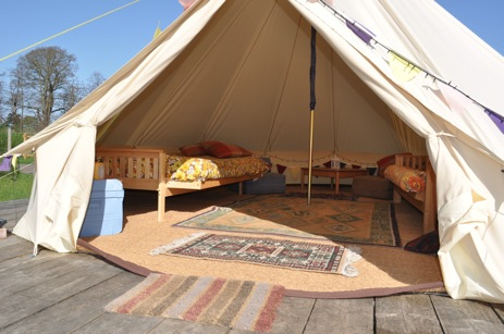 glamping-norfolk-norwich-whitlingham-broad-bell-tents-interior