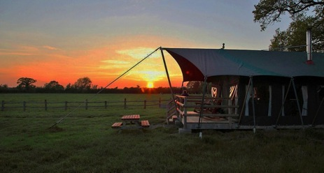 MILL FARM Glamping Wiltshire with Hot Tub