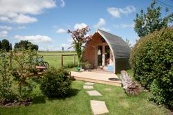 glamping-wiltshire-stonehenge-campsite-fox-pod-s