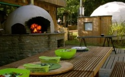 glamping-gloucestershire-the-dome-garden-bar-and-pizza