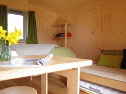glamping-wales-one-cat-farm-den-bed-s