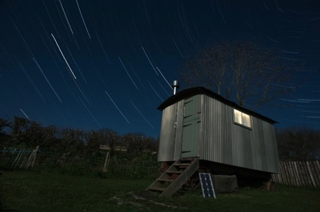 glamping-cornwall-hideaway-huts-dog-friendly-starry-night