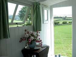 glamping-cornwall-hideaway-huts-view-from-door