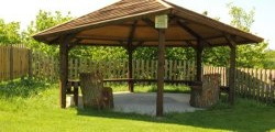 glamping-cornwall-tehidy-holiday-park-cooking-shelter-s
