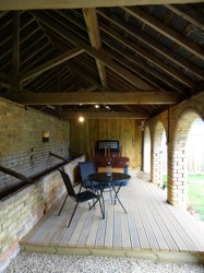 glamping-the-cotswolds-manor-farm-bbq-area-s