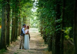 glamping-the-cotswolds-manor-farm-weddings-s
