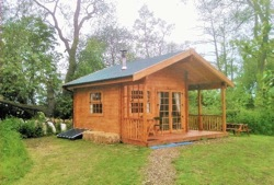 glamping-yorkshire-acorn-glade-log-cabin