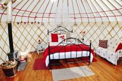 glamping-yorkshire-acorn-glade-yurt-interior-s