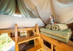 glamping-cornwall-outlandish-holidays-jack-sparrow-bedroom