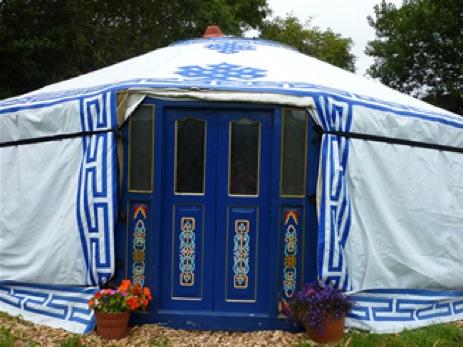glamping-devon-summerhill-farm-yurt