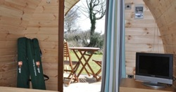 glamping-devon-woodovis-pod-with-tv-s