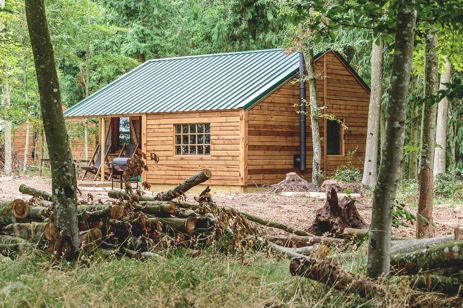 glamping-hampshire-featherdown-farms-midgham-log-cabin
