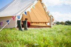 glamping-norfolk-2posh-2pitch-wedding-bell-tents