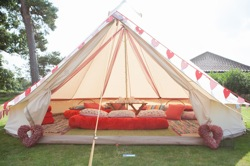 glamping-norfolk-2posh2pitch-chill-out-tent