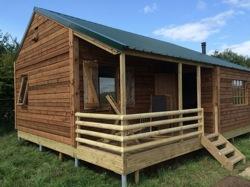 glamping-somerset-featherdown-farms-log-cabin-at-warren