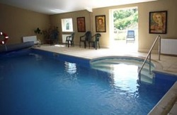 glamping-somerset-middlewick-e-den-swimming-pool-s