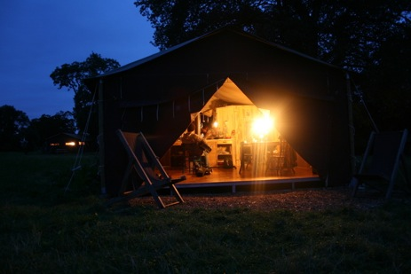MANOR FARM FEATHERDOWN FARMS Glamping Hampshire with Hot Tub