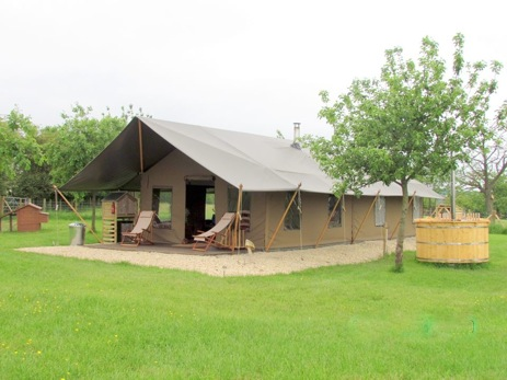 glamping-worcestershire-with-hot-tub-woodhouse-farm-safari-tent