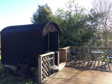 HEATH HALL FARM Glamping Surrey with Hot Tub