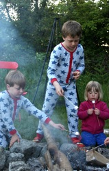 glamping-cornwall-with-hot-tub-tremeer-farm-campfire-s