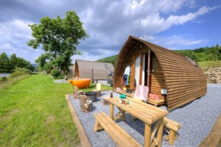 glamping-scotland-with-hot-tub-premium-wigwams-s