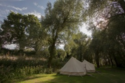 glamping-sussex-the-original-hut-comapny-bell-tent-field-s