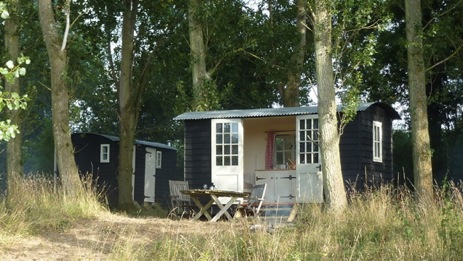 glamping-sussex-the-original-hut-comapny-the-huts