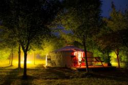 glamping-hampshire-meon-springs-yurt-at-night-s