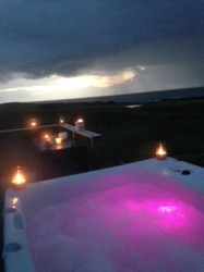 glamping-scotland-with-hot-tub-little-abode-pink